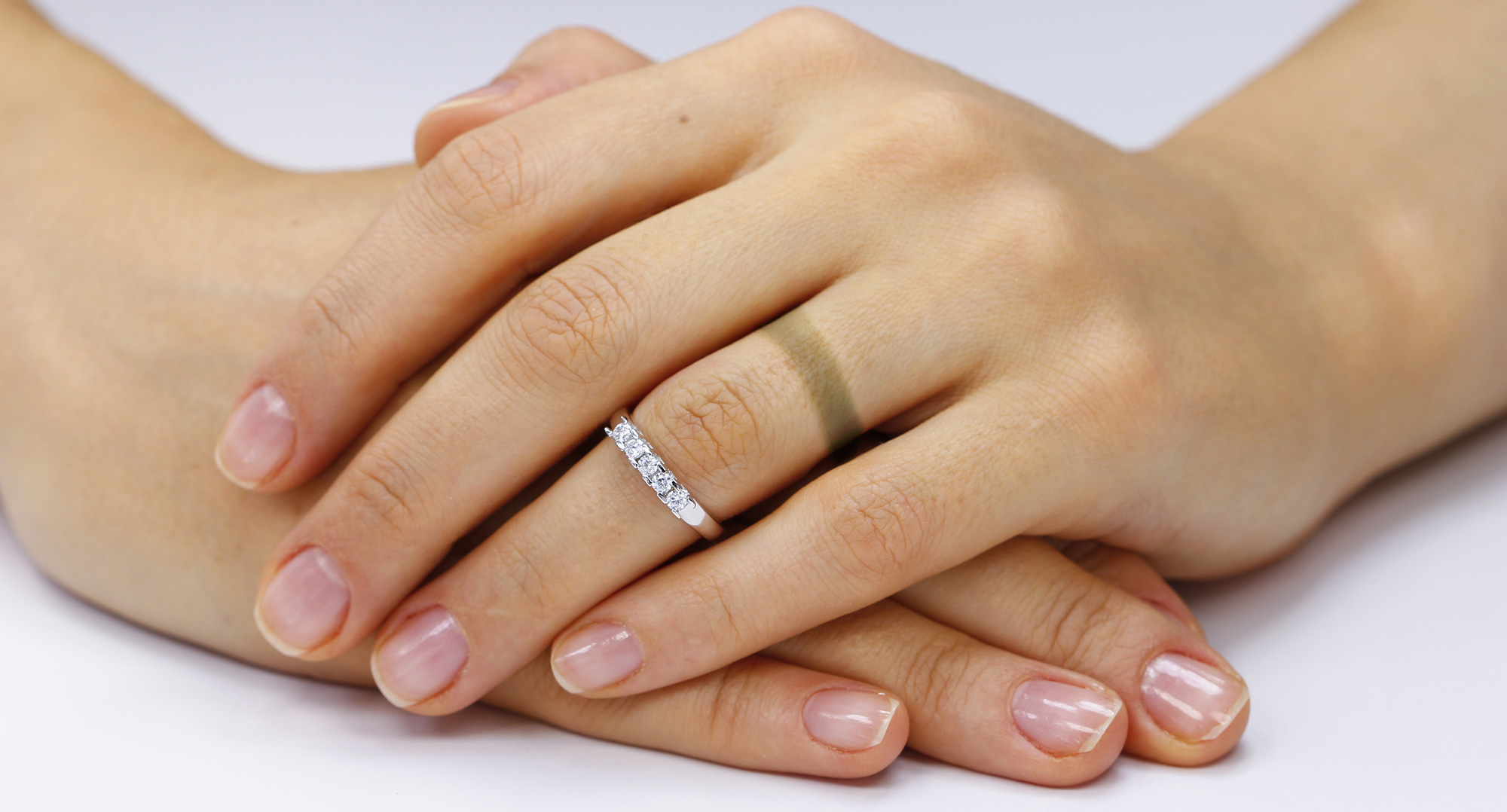 Gold Rings Turning Your Fingers Black? | Pav & Broome Fine Jewelry